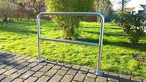 NEU-Edelstahl-Fahrradstaender-Anlehnbuegel-Mo-City-Premium-zum-Einbetonieren