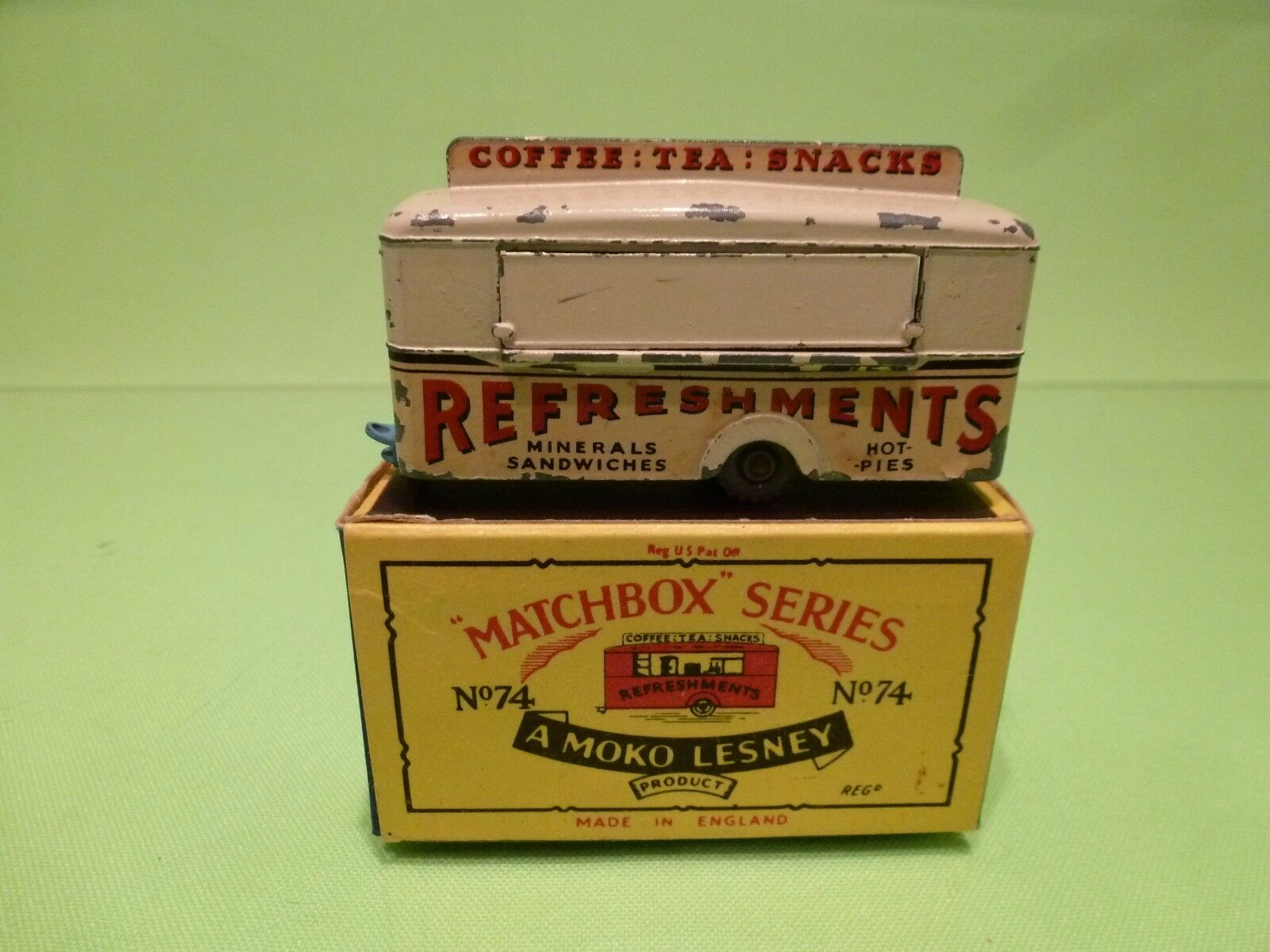 LESNEY MOKO MATCHBOX 74 MOBILE CANTEEN - GOOD IN EXCELLENT BOX - RARE