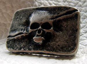 Ziernieten Totenkopf Skull Schädel Piratenkopf eckig Altsilber  3,0 x 1,9cm