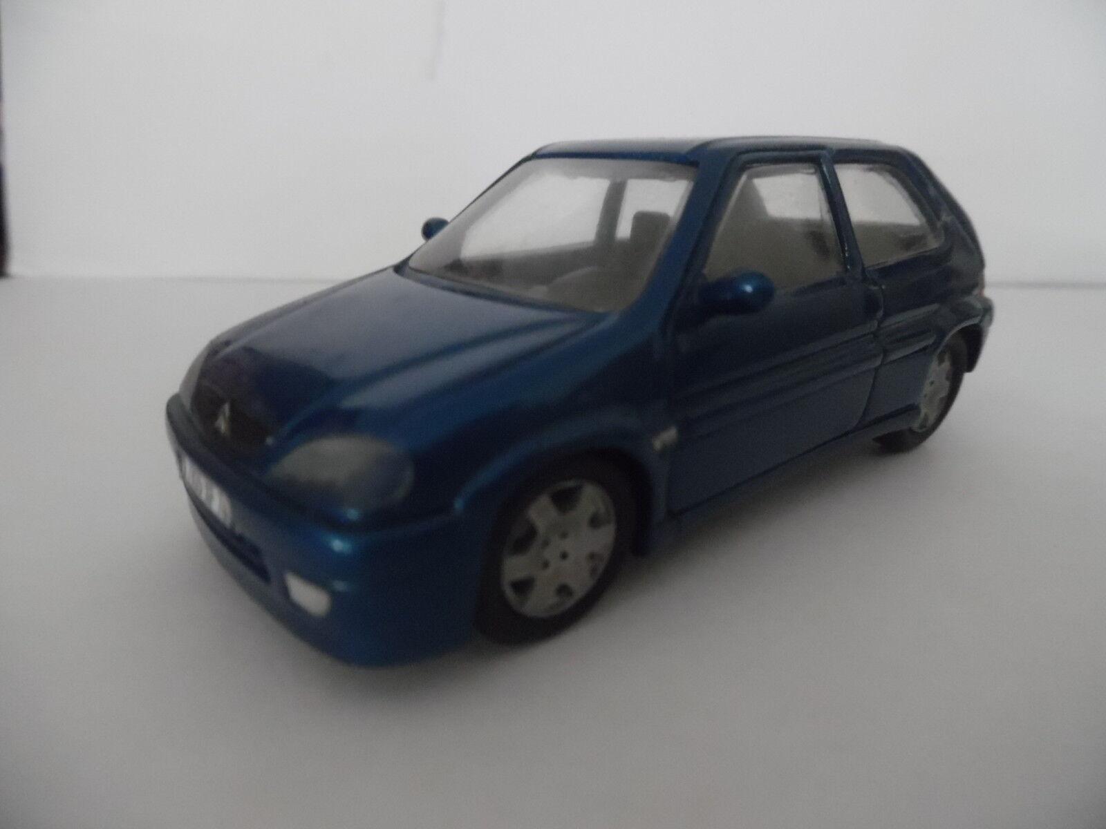 1 43ième - Maquette PARADCAR n°107 - Citroen Saxo bleue