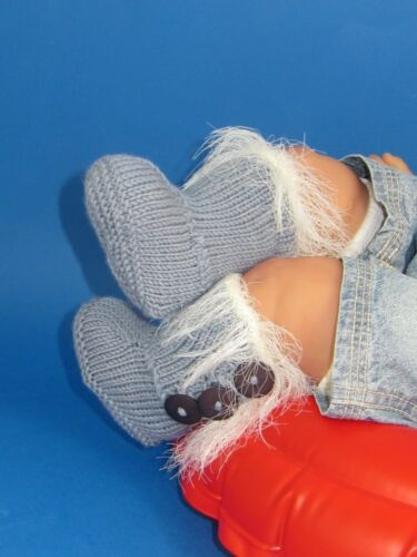PRINTED KNITTING INSTRUCTIONS BABY SUPER FURRY 3 BUTTON BOOTIES KNITTING PATTERN