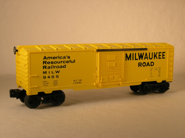 LIONEL 6-9455, MILWAUKEE ROAD BOX CAR, OB 1982
