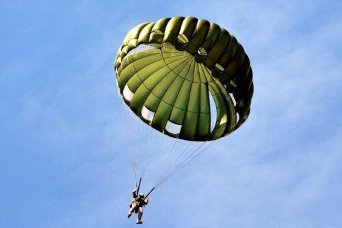 inspected by a Master Rigger SF-10A Complete Parachute System Airworthy