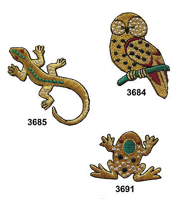A SOUTHWEST DESIGN IRON ON APPLIQUES SET OF 2 FROGS