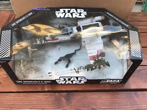 Star Wars Saga 2006 X-wing de Luke Skywalker avec figurine Dagobah et dragons