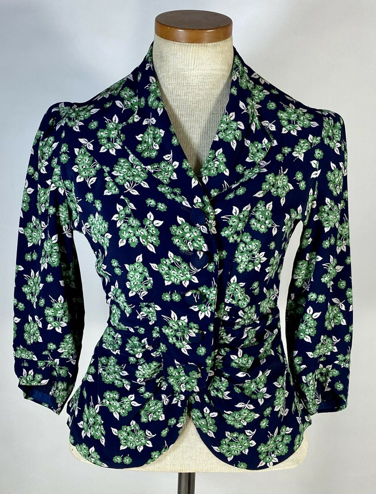 Vintage early 1940's floral silk crepe 2-pc. skir… - image 9