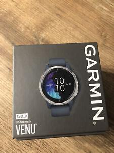 Garmin Venu Montre GPS - Granite Blue avec boucle Silver-Tone