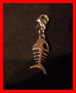 Fisch-Skelett-Charms-Armband-Anhaenger-Kettenanhaenger-m-Karabiner-NEU-b42