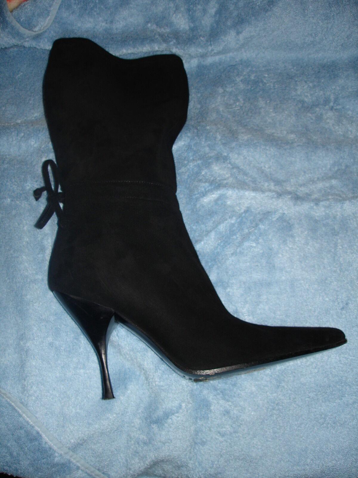 Muy Elegante Elegante Elegante Miu Miu negro botas de ante  respuestas rápidas