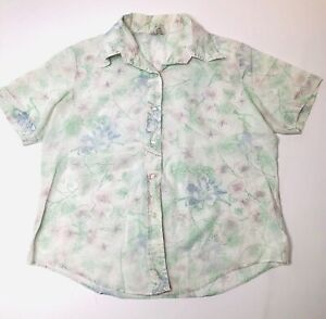 Very feminine pastel 70s shirtblousetop floral button up Size large