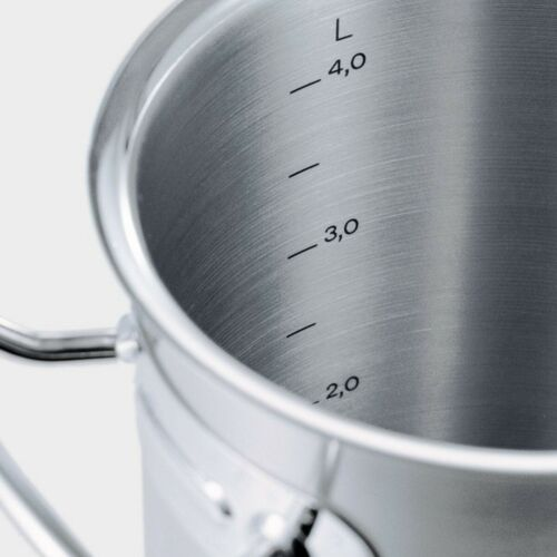 Fissler Original-Profi Collection Covered Casserole 11in 5qt With High Domed Lid