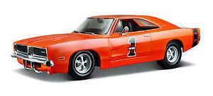Dodge-Charger-R-T-1969-dans-le-Harley-Davidson-Design-echelle-1-25-de-maisto