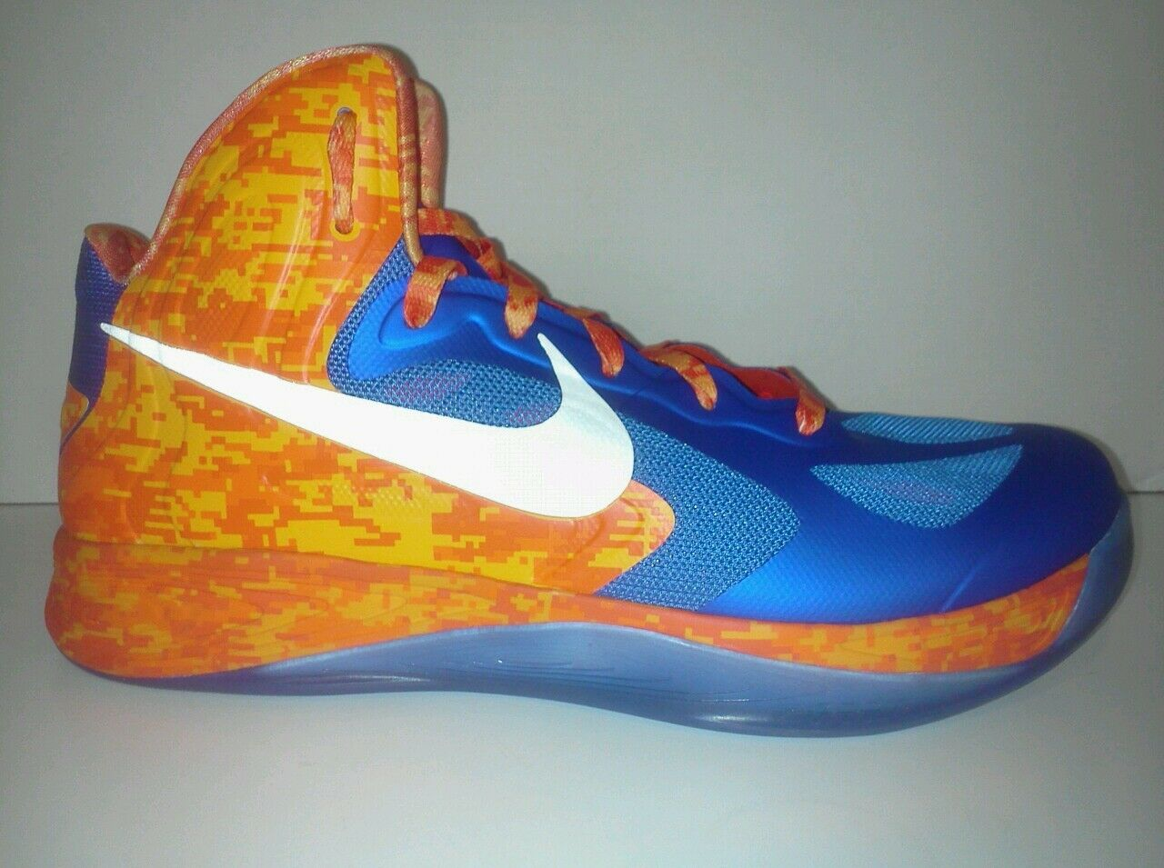 New Nike Hyperfuse Size 11