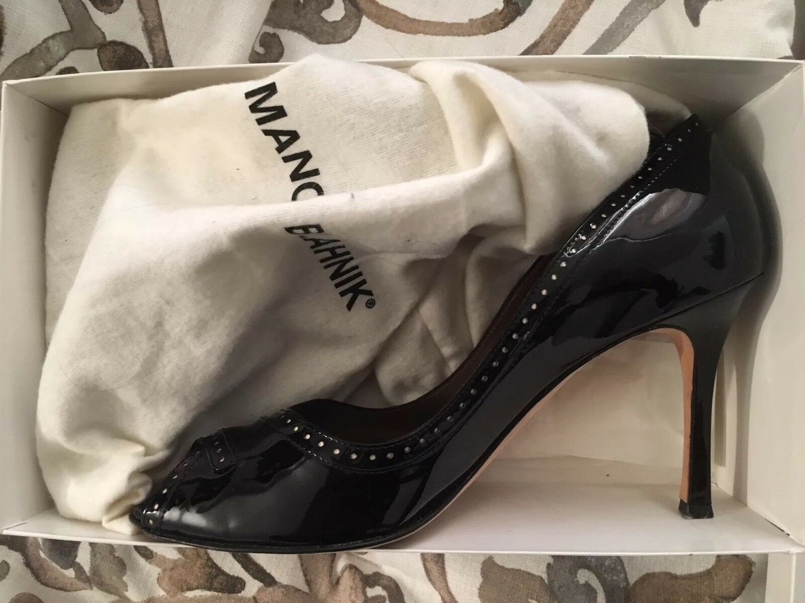 Manolo Blahnik Black Patent Peep Toe Pumps Sz 41