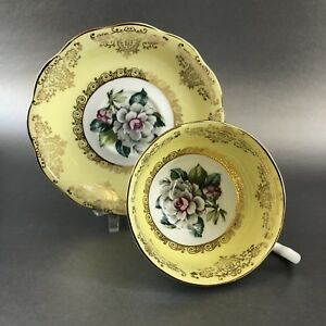 Royal-Standard-White-Rose-Yellow-Tea-Cup-amp-Saucer-Bone-China-England-Teacup