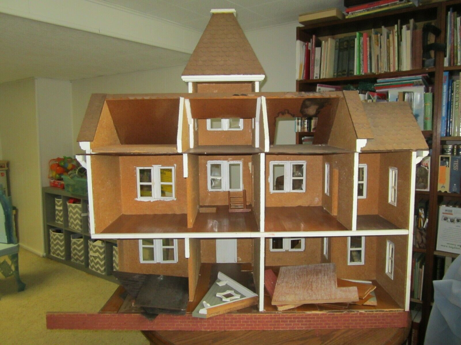 Image 3 - VTG-ANTIQUE-1960-039-s-LARGE-HAND-MADE-WOOD-DOLLHOUSE-TOY-DOLL-VICTORIAN-FARM-HOUSE