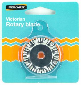 Fiskars-45mm-Victorian-Pattern-Rotary-Blade-Paper-Fabric-Felt-Ribbon-Blue-Pack