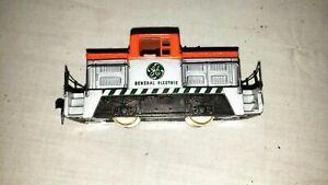Vintage AHM GE Center Cab Switcher Locomotive General Electric 5011-B (007)