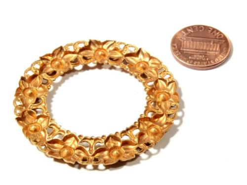 Vintage Czech gold metal floral wreath ring brooch jewelry making finding