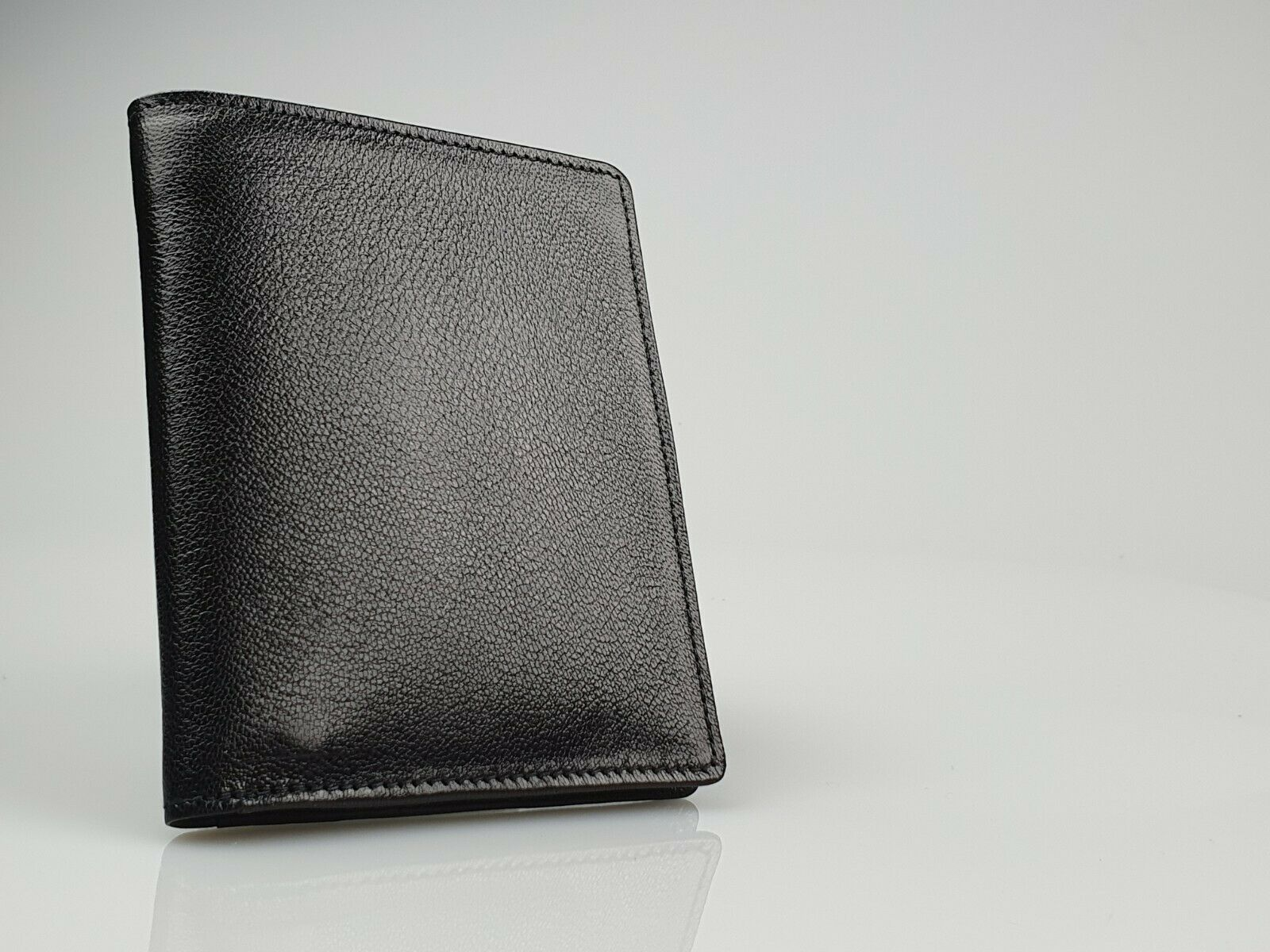 Peterson Black Leather Bifold Wallet (90mm x 110mm) *New in Box* - 195
