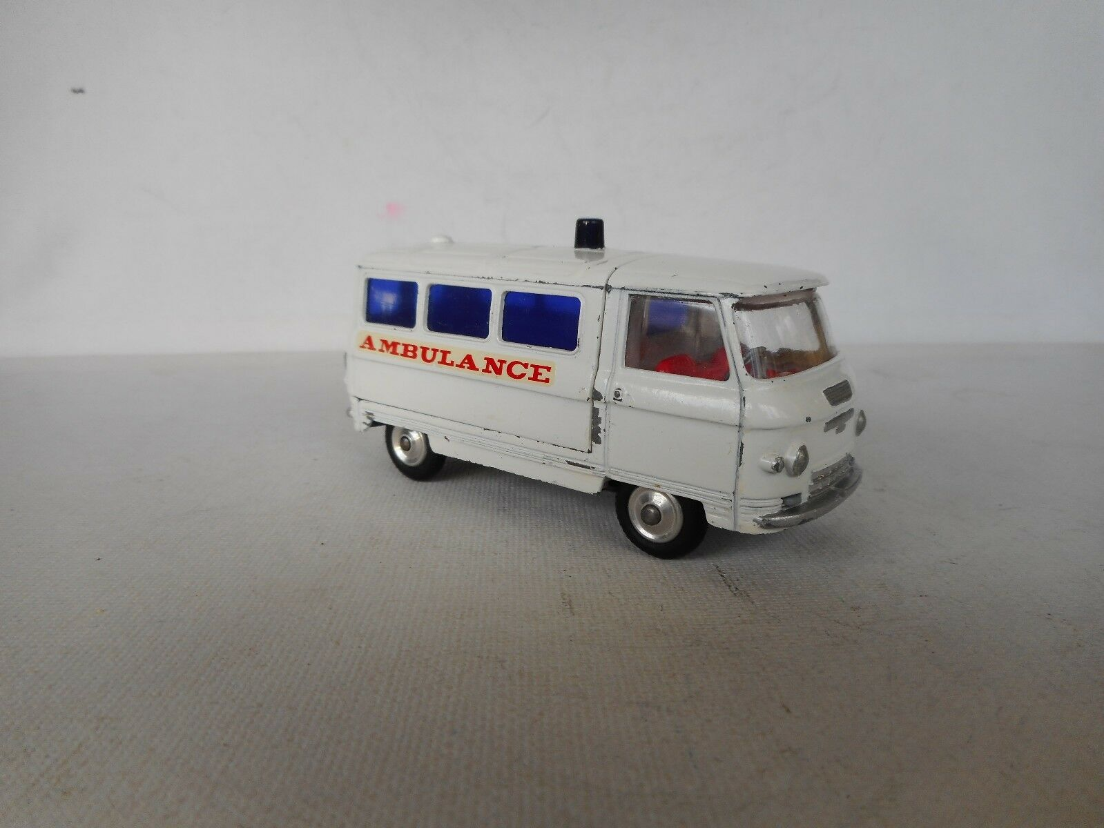 CORGI TOYS 463 Commer Ambulance  VERY GOOD CONDITION CONDITION CONDITION   7d3750