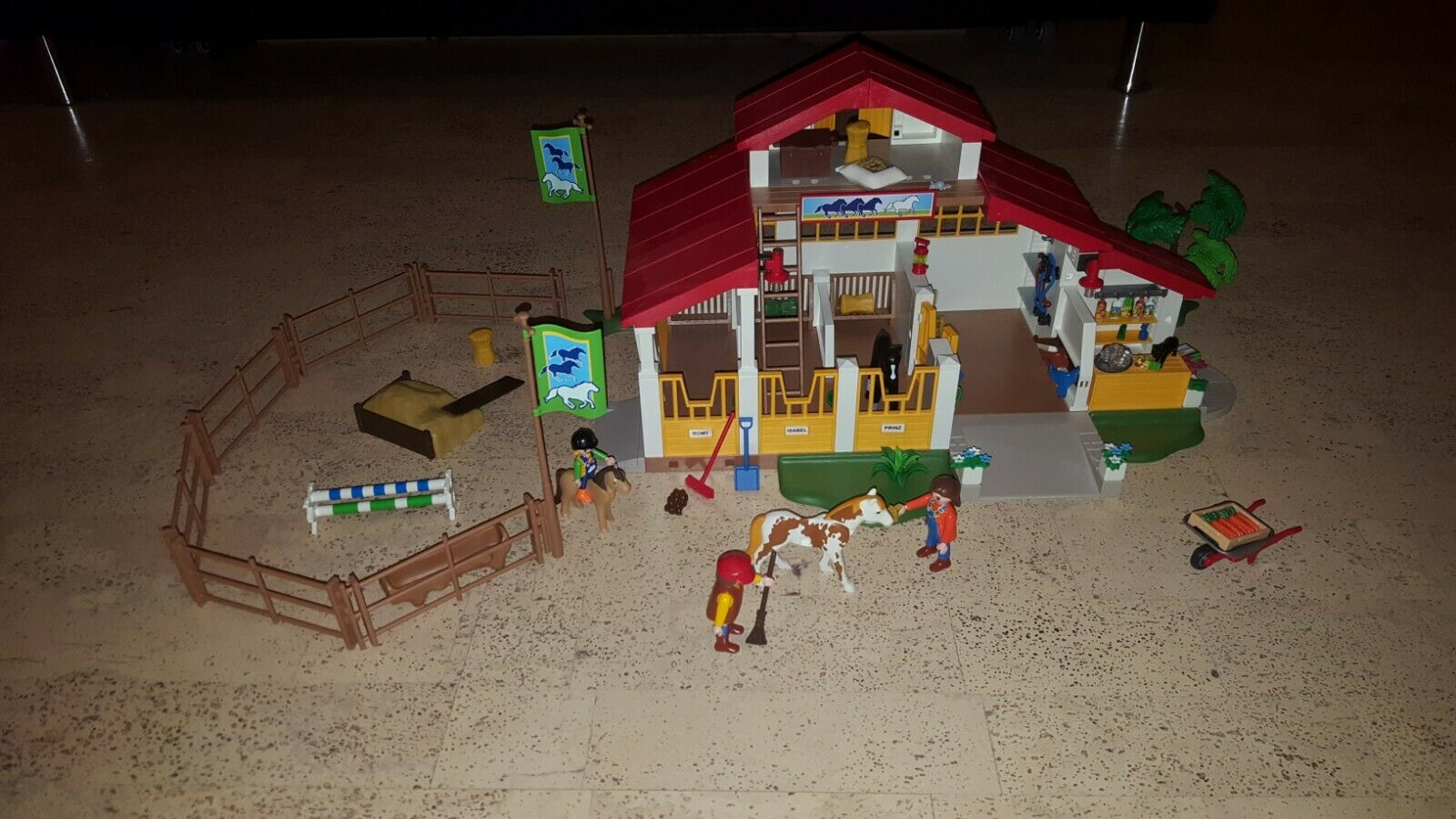 Playmobil aus 4190   Moderner Reiterhof   Top inkl. Originalkasten + Anleitung