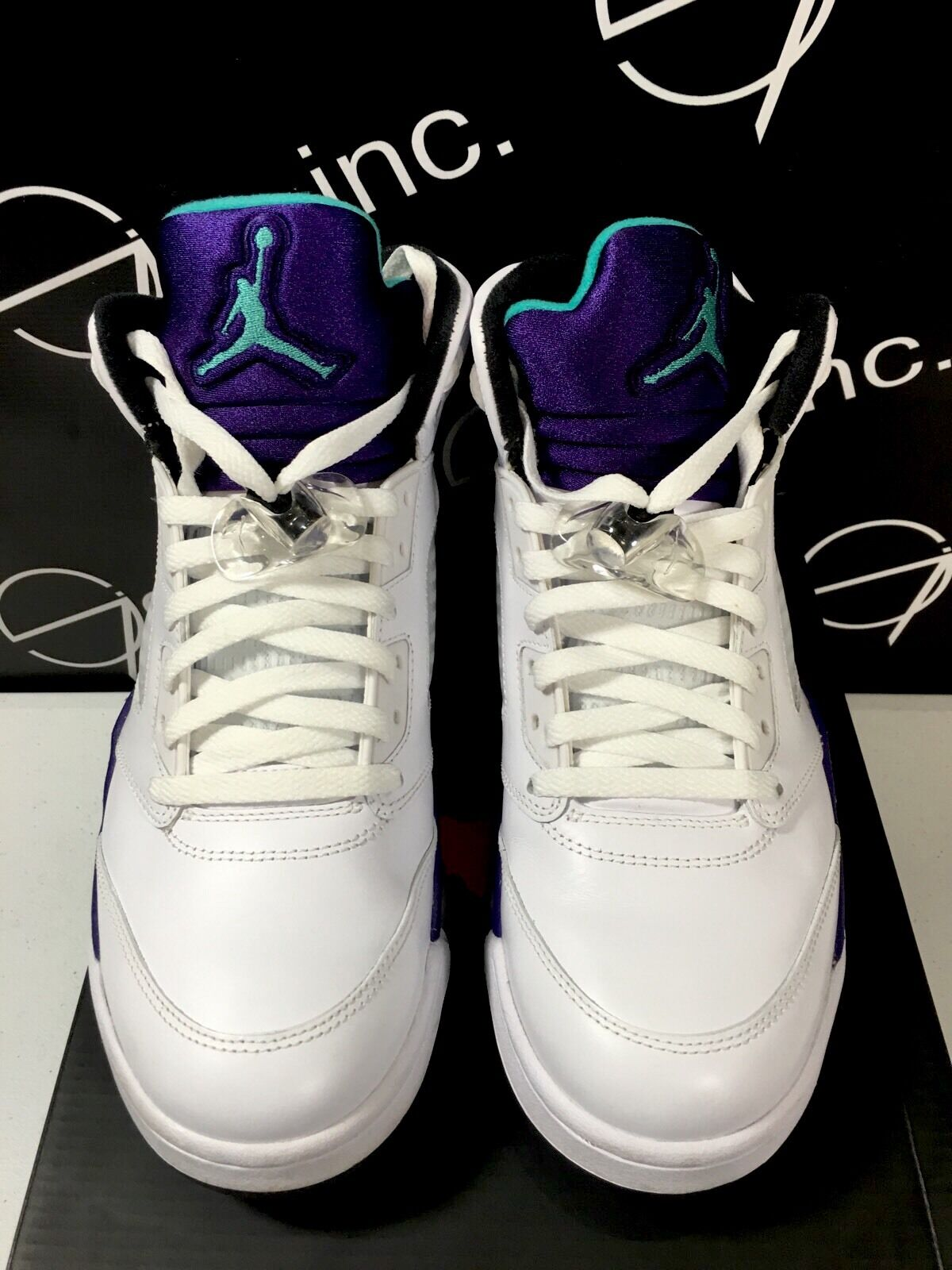 Authentic Nike Air Jordan 5 V Grape White Black Size 9.5