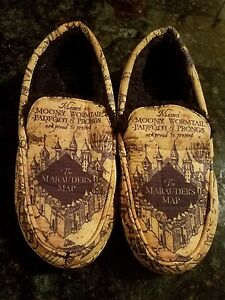 b517d360c576f Details about Adult Medium 9-10 Harry Potter The Marauders Map Design  Moccasin Slippers Rare