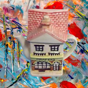 Ancienne-Theiere-maison-teapot-in-the-shape-of-house-vintage-art-de-la-table