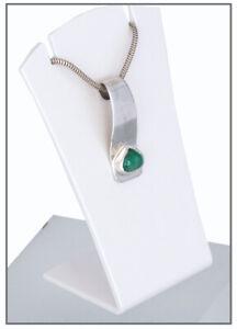 Smaragd-Cabochon-2-76-ct-leuchtend-intensiv-Gruen-Interessanter-Anhaenger-Silber