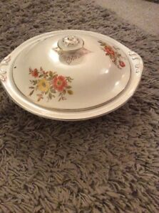 VINTAGE WEATHERBY HANLEY FALCON WARE YELLOW amp RED FLOWER LIDDED SERVING DISH - Fochabers, United Kingdom - VINTAGE WEATHERBY HANLEY FALCON WARE YELLOW amp RED FLOWER LIDDED SERVING DISH - Fochabers, United Kingdom