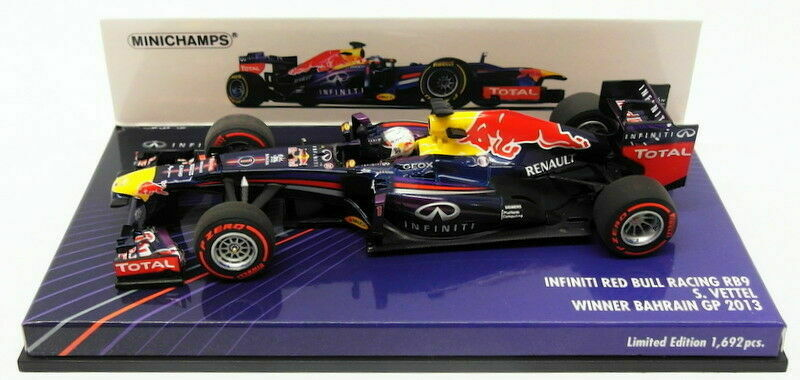 Minichamps F1 1 43rd Red Bull RB9 - S. VETTEL - Winner Bahrain GP 2013 - L.Ed.