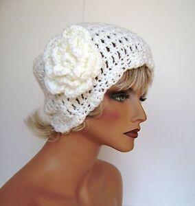 WHITE FLOWER BEANIE CAP HAT BAGGY HAND CROCHET BERET SKULL CAP CLOCHE TAM