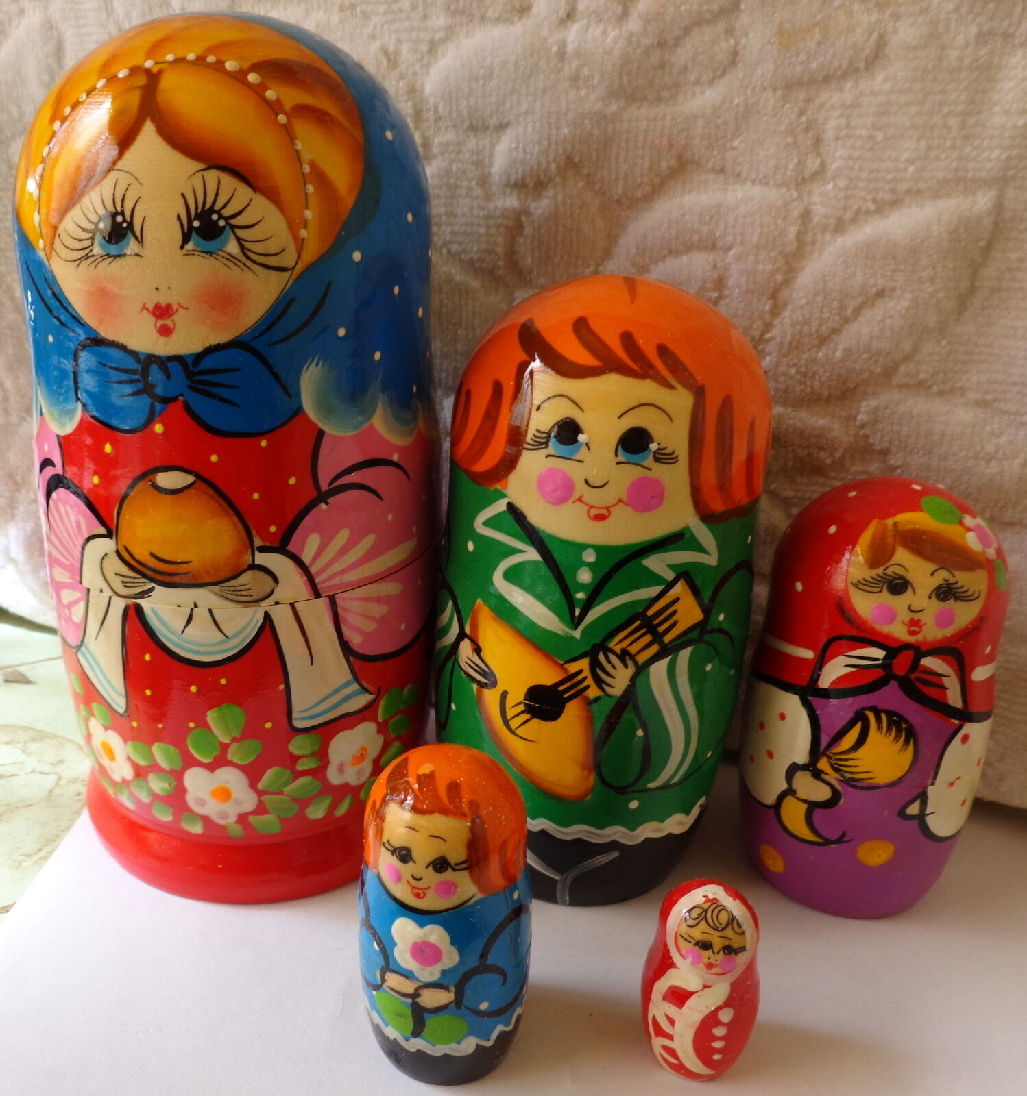 Superb quality amazing  Family RUSSIAN NESTING DOLL 5 PCS  LARGE 6.5
