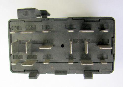 Relais Steuerrelais Steuergerät NR 166 028906124B VW Caddy original
