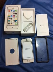 Apple iPhone 5s  16GB  Silver O2 Smartphone 1lady Owner From New See Pics - high wycombe, Buckinghamshire, United Kingdom - Apple iPhone 5s  16GB  Silver O2 Smartphone 1lady Owner From New See Pics - high wycombe, Buckinghamshire, United Kingdom