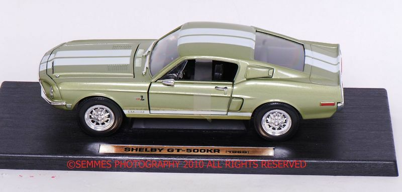 Mustang Shelby GT 500 KR 1968 by Road Legends in in in Lime Green NEWFREE SHIPPING 61a893