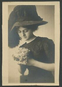 c-1910-14-Photograph-WOMAN-WITH-LARGE-HAT-Embroidered-Dress-Bouquet-of-Flowers