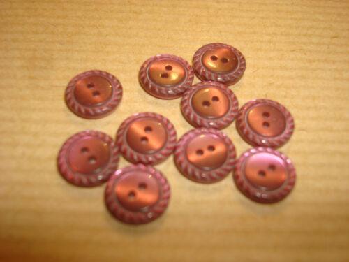MERCERIE ANCIENNE  BOUTON  COUTURE  violet ciselé 1 cm 668
