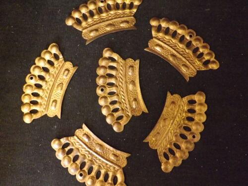 Restposten Sonderposten 12 x Krone gold aus Metall