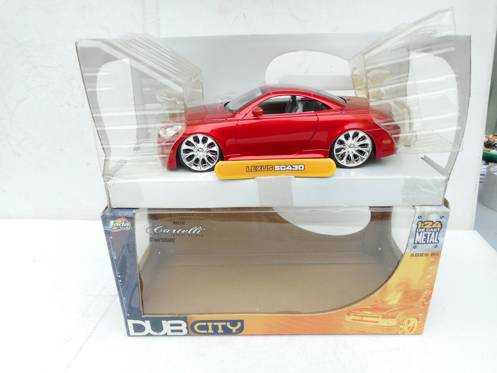 Jada TOYOTA BUB CITY LEXUS SC 430 METALLIC METALLIC METALLIC RED IN BOX 1 24 Scale 09d659