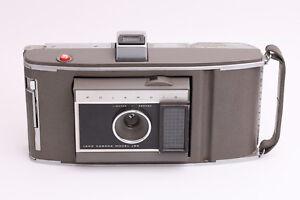 Polaroid-Land-Camera-Model-J66-Sofortbildkamera