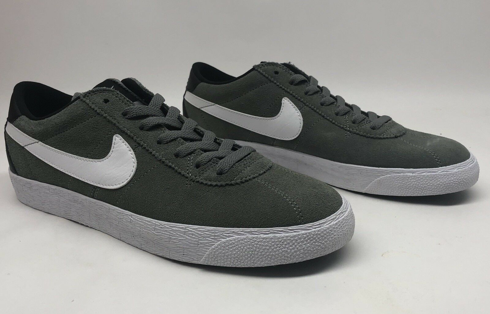 NIke SB Bruin Zoom Prm Skate SE Tumbled Grey/White/Black Mens Skate Prm Shoes SIZE 10 823490