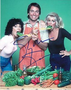 SUZANNE-SOMERS-SIGNED-8X10-PHOTO-AUTHENTIC-AUTOGRAPH-THREE-039-S-COMPANY-COA-D