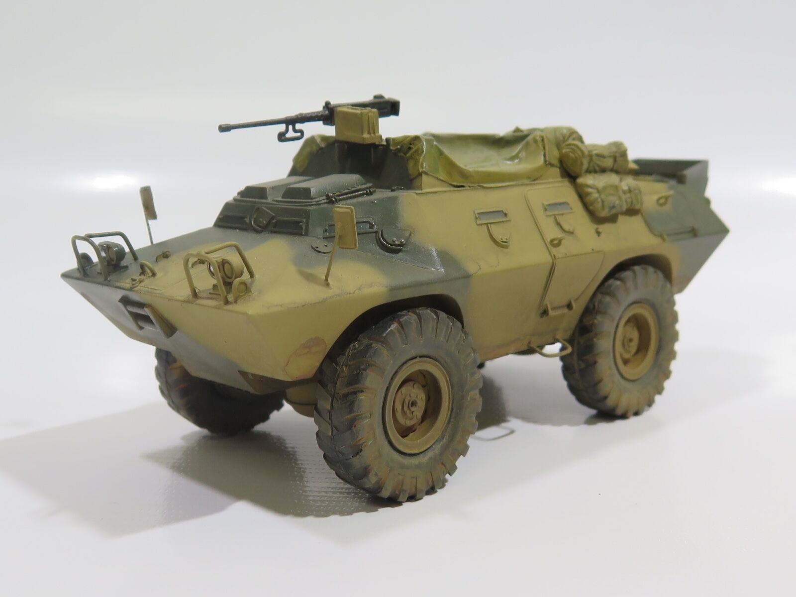MY2037 - 1/35 PRO BUILT - Resin Verlinden XM706 Commando car Prototype