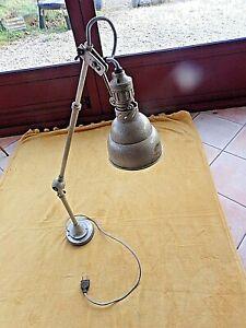 Ancienne lampe d'atelier LUMINA-2 bras articulés télescopiques et pieds aimanté