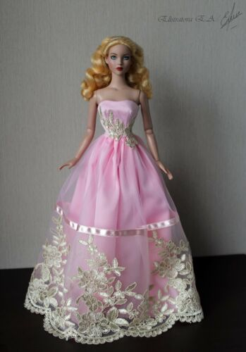 Handmade dressgownoutfit for Tonner Doll with Tyler body 16""