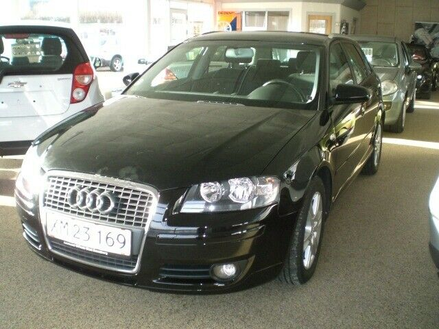 Audi A3 2,0 FSi Attraction SB 5d