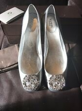 Gucci Silver Metallic Leather Crystal Logo Ballerina Flats 39.5 $610