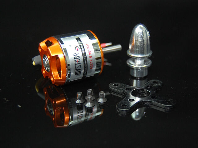 A2217 950KV Brushless Outrunner Motor for airplane Aircraft w/ adapter mount